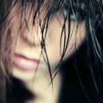 Chcete pomoci růstu vlasů? Použijte kofeinový šampon
