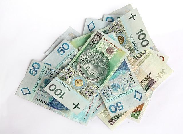 money-ea33b6062f_640